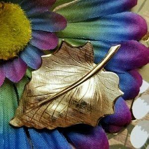 Vintage leaf brooch gold tone